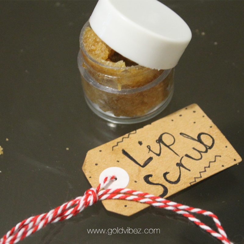 The 3 Ingredient Lip ScrubDIY