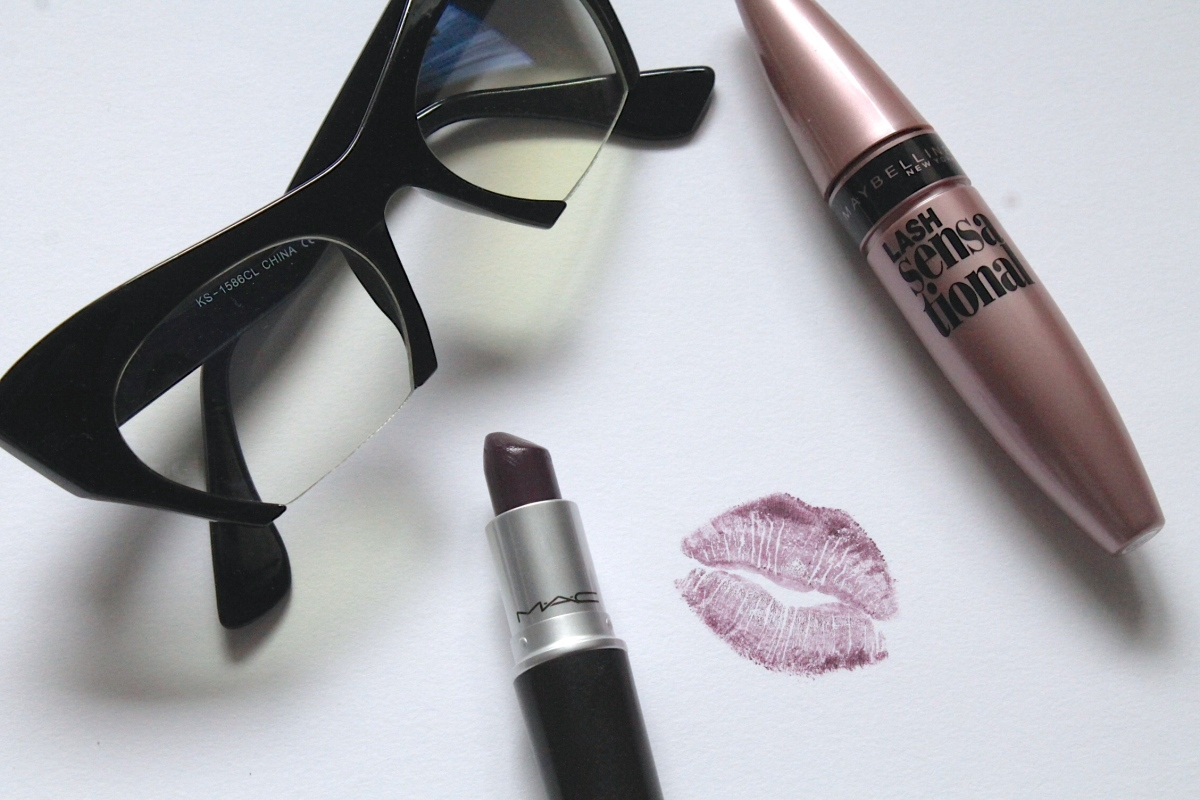 LIPSTICK LOOKBOOK: Dark Lips in Fall